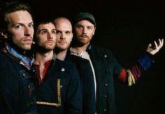 8-Apr-2014 10:55 - COLDPLAY ONTHULT VIDEOCLIP 'MAGIC'. Call it magic! Heb je de videoclip van Coldplays eerste single 'Magic' van het album Ghost Stories al gezien? Check 'm hier. 'Magic' is de eerste single van Coldplays vierde studioalbum Ghost Stories, dat verwacht wordt in mei. De meesten kennen het liedje al, want deze werd net na de albumteaser 'Midnight' uitgebracht, maar er was nog geen videoclip. Die is er nu wel, en wat voor één! De zwart-wit video is geregisseerd door Jonas...