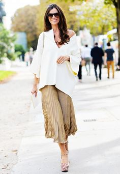 Wear your V-neck top or tunic off the shoulder.