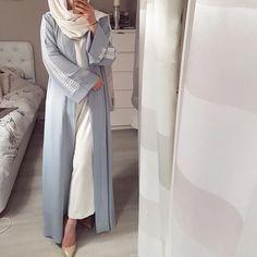 Modern Hijab Fashion, Hijab Fashion Inspiration, Abaya Fashion, Look Fashion, Modest Fashion, Fashion Outfits, Iranian Women Fashion, Islamic Fashion, Muslim Fashion