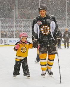 Andrew Ference with his daughter during family skate at the winter classic. Hot Hockey Players, Ice Hockey Teams, Hockey Mom, Patrice Bergeron, Poke The Bear, Boston Bruins Hockey, Nhl Jerseys, Boston Strong, Boston Sports
