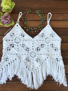 Close happy healthy days with another necklace to everyone 👋 🧶🎉💞🎈🎊 # knitting Best Picture For crochet For Your Taste. Crochet Summer Tops, Crochet Crop Top, Crochet Blouse, Cute Crochet, Crochet Hooks, Crochet Baby, Crochet Bikini, Beginner Crochet Projects, Crochet For Beginners