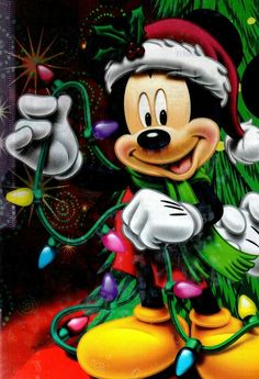 Image in 💗💕 Mickey & Minnie 💗💕 collection by Cristela Mickey Mouse Christmas, Mickey Mouse And Friends, Disney Mickey Mouse, Minnie Mouse, Merry Christmas, Xmas, Christmas Lights, Image Mickey, Mickey Love