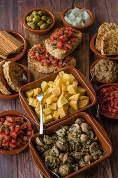 Vegan Spanish Tapas - The Best French Recipes Tapas Dinner, Tapas Party, Dinner Party Recipes, Vegan Dinner Party, Asian Recipes, Mexican Food Recipes, Healthy Recipes, Healthy Food, Vegan Appetizers