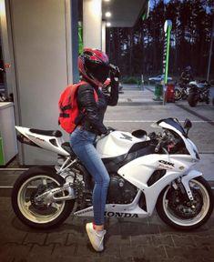 Top 10 Posts from Mototeka: 2017 Edition - - USA - Biker & girls - Motos Motorbike Girl, Motorcycle Bike, Women Motorcycle, Monster Motorcycle, Ducati Monster, Motorcycle Outfit, Biker Chick, Biker Girl, Yzf R125