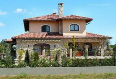 Családi ház homlokzata More Pictures, Mansions, House Styles, Home Decor, Decoration Home, Manor Houses, Room Decor, Villas, Mansion