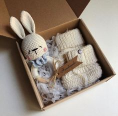 Baby Gift Hampers, Baby Gift Box, Baby Box, New Baby Gifts, Knit Baby Booties, Booties Crochet, Baby Knitting, Knitted Baby, Wooden Baby Toys