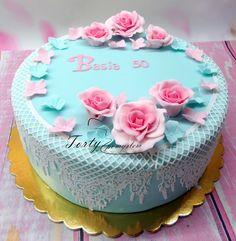 TORTY Z POMYSŁEM Kraków: Tort pastelowy z różowymi różami, na 50 urodziny.