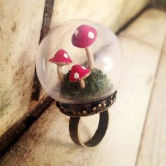 Mushroom Terrarium Globe Ring --- faeries never have to be far from home!