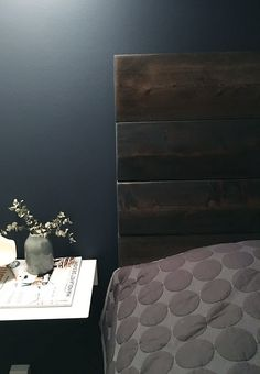 Spice up your bedroom with a personalized headboard, The rustic headboard. Bedroom Bed, Bedroom Inspo, Bedroom Furniture, Bed Room, Bedroom Ideas, Headboards For Beds, Cozy Blankets, House Goals, Ikea Hacks