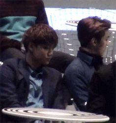 Sekai Jongin literally slept on every member in mama '15