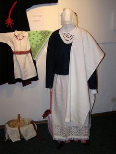 Beauty of Estonian folk and folk-style costumes.   Näitus Eesti Käsitöö Maja galeriis / The exhibition in the gallery of Estonian Handicraft House, Tallinn, Pikk 22