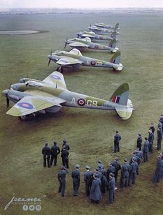 de Havilland Mosquitos of 105 Squadron at RAF Marham Norfolk UK. Decembe Informations About de Havilland Mosquitos of 105 Squadron at RAF Marham Norfolk UK. Ww2 Aircraft, Fighter Aircraft, Military Aircraft, Fighter Jets, Aircraft Carrier, De Havilland Mosquito, Norfolk, V Force, Photo Avion