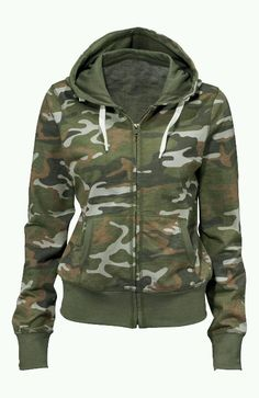 A great looking hoodie! Camo girl www.dieselppowergear.com #gungirl #camoclothes #camo