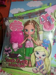 bratz kidz sleepover cloe.new in box ..with outfit and extras. .very rare..!!! | 9+4.5