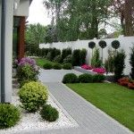 Beautiful Front yard Landscaping ideas on a Budget. Balcony Herb Gardens, Back Gardens, Outdoor Gardens, Side Yard Landscaping, Landscaping Ideas, Front Garden Landscape, Backyard Garden Design, Garden Styles, Indoor Garden