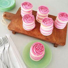 Mini rose cakes for