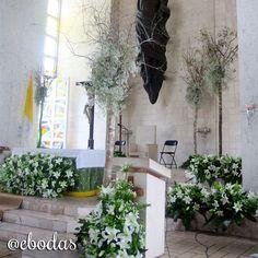 Los árboles además de aportar el estilo shabby chic, logran el contraste de verdes #wedding #ebodas