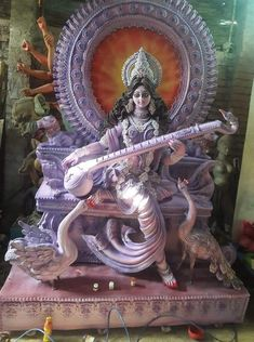 Saraswati Murti, Durga Ji, Saraswati Statue, Saraswati Goddess, Ganesha Painting, Sculpture Painting, Heart Pencil Drawing, Saraswati Photo, Ganpati Decoration Design