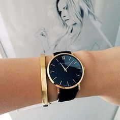 Watches Like Daniel Wellington Daniel Wellington kind of watch // Larsson & Jennings black and gold watch. Classy and minimalistDaniel Wellington kind of watch // Larsson & Jennings black and gold watch. Classy and minimalist Black And Gold Watch, Black Gold, Black Watch Women, Black Leather, Black And Gold Outfit, Black Face Watch, Black Quartz, Solid Black, Ring Armband