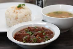 Philippine beef pares Filipino Food, Filipino Recipes, Beef Pares, Cafe Food, Recipes From Heaven, Food Heaven, Philippines, Soup, Lunch