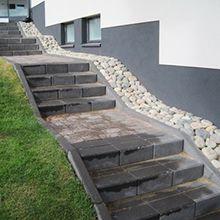 2porraskivi sa Hillside Garden, Garden Paths, Outdoor Steps, Garden Stairs, Exterior Stairs, Outdoor Spaces, Outdoor Decor, Garden Inspiration, Beautiful Gardens