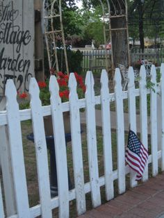 picket fence charm