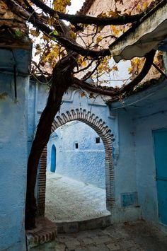 おとぎの国に迷い込みそうな青で彩られたモロッコの街『シャウエン』