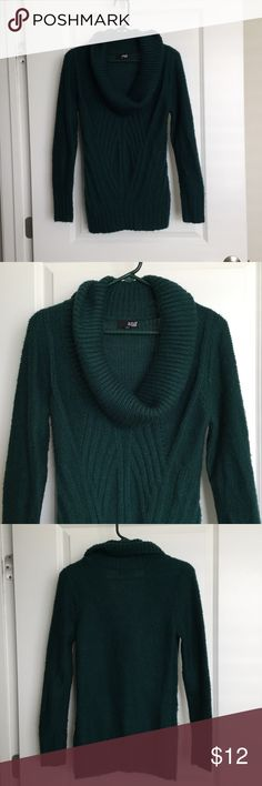 Green cowl neck sweater Green cowl neck sweater. It's been worn but in good condition. Some slight pilling. Brand is a.n.a. and it's a size small. 100% acrylic. a.n.a Sweaters Cowl & Turtlenecks