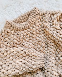 has knitted the Jasper sweater by Wool and the Gang. This intermediate knitting kit uses Super Trouper wool in Blonde Beige, and techniques such as bubble stitch and rib. Knitting Kits, Sweater Knitting Patterns, Knitting Designs, Knit Patterns, Knitting Projects, Baby Knitting, Knitting Sweaters, Pullover Sweaters, Sweater Cardigan
