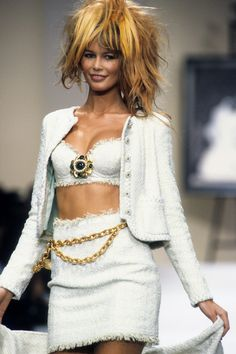 Chanel Spring 1994 Ready-to-Wear Fashion Show - Wallis Franken