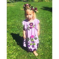 #flowergirl, #freshflowersdecoration, #lavenderwedding Girls Dresses, Flower Girl Dresses, Flower Decorations, Wedding Dresses, Flowers, Fashion, Dresses Of Girls, Bride Dresses, Moda