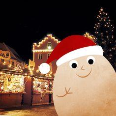 Luci che brillano, profumi di abeti e di dolci, atmosfera natalizia che regna sovrana...  Il nostro ovetto dove ha scattato il suo #EggSelfie?