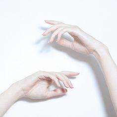 Руки, глаза, губы, волосы | 26 фотографий