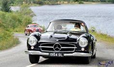 """سرّ سيارة """"300SL"""" التي أحيت """"مرسيدس بنز""""…: يتذكر الجميع السيارة """"300 إس إل"""" موديل 1954، بشكلها الانسيابي والأبواب الصغيرة، ومحركها الذي…"""