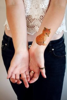 Mignon petit tatouage temporaire de la fox