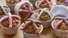 Quicker and easier to make than traditional yeast buns, Dan Lepard& Easter cupcakes have a rich ginger and spice flavour. Apple Sandwich, Sandwich Cake, Fruit Cupcakes, Easter Cupcakes, Apple Cake Recipes, Cupcake Recipes, Bbc Recipes, Lemon Recipes, Sweet Recipes