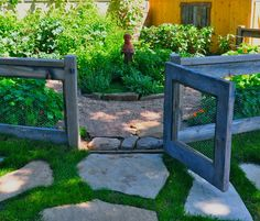 Recycled Garden Fence Ideas - Garden fence made from salvaged wood and chicken wire - Click Pic for 25+ Garden Fencing Ideas