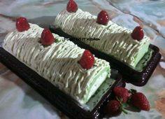 Pandan Roll cake creamy