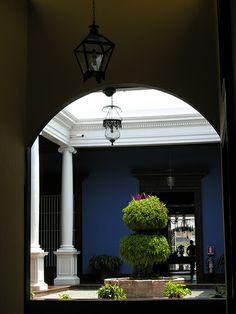 ANS161DSCN1922   >>>>>    Trujillo, Peru.  Maison colonial house Urquiaga (Calonge house) Trujillo, Perou.