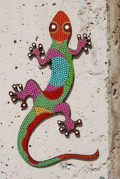 Lagarto G-05. Pintado sobre MDF. puntillismo. por Mandalaole Dot Art Painting, Mandala Painting, Mandala Art, Stone Painting, Mosaic Crafts, Mosaic Projects, Mosaic Art, Bead Crafts, Stained Glass Patterns