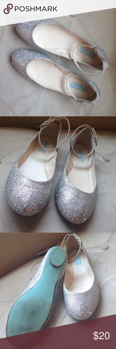 Betsey Johnson Wedding Flats Sparkly Flats with ankle strap and slight Tiffany blue sparkle to them. Gently worn just once for my wedding ceremony. Blue Wedding Shoes, Wedding Flats, Tiffany Blue Converse, Sparkly Flats, Loafer Flats, Loafers, Designer Wedding Shoes, Creative Wedding Ideas, Blue Sparkles