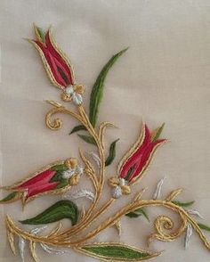 Getting to Know Brazilian Embroidery - Embroidery Patterns Zardozi Embroidery, Hand Embroidery Dress, Embroidery Neck Designs, Embroidery Suits Design, Embroidery Flowers Pattern, Hand Embroidery Stitches, Beaded Embroidery, Lesage, Brazilian Embroidery