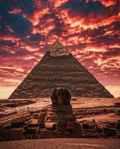 Egypt Giza Pyramids Travel Guide Most Famous Areas Old Egypt, Egypt Art, Cairo Egypt, Egypt Giza Pyramids, Fawzia Fuad Of Egypt, Egypt Wallpaper, Egypt Concept Art, Ancient Egypt Fashion, Egypt Crafts