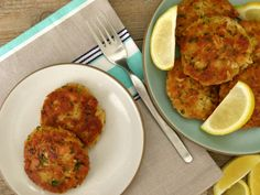 tuna patties recipe -- So easy, tasty, healthful and budget-friendly.  You probably have everything to make these in your pantry!