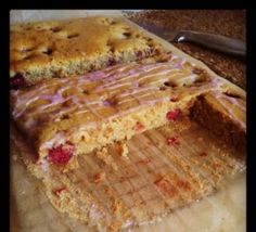 A quick & easy recipe for an eggless and dairy-free raspberry sponge traybake