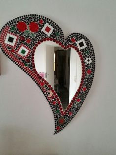 Mosaic mirror                                                       … Mirror Mosaic, Mosaic Art, Mosaic Glass, Mosaic Tiles, Fused Glass, Glass Art, Mosaic Crafts, Mosaic Projects, Mirrored Picture Frames