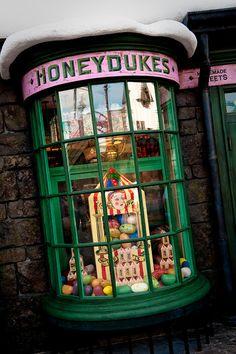 Honeydukes - Wizarding World of Harry Potter - Universal Studios