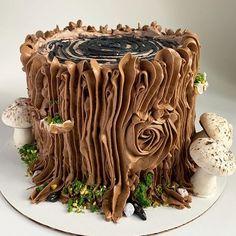 Chocolate Yule Log Recipe, Chocolate Log, Melting Chocolate, Easy Yule Log Recipe, Tree Stump Cake, Tree Stumps, Mushroom Cake, Recipes Using Cake Mix, Yule Log Cake