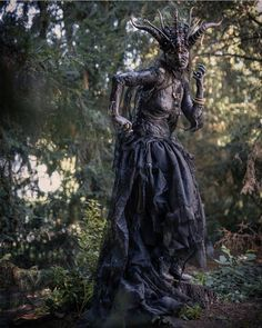 with ・・・ Mother of Lies Photo by SFX Designer Makeup Assistants:… Fantasy Witch, Witch Art, Dark Fantasy Art, Dark Art, Halloween Torte, Halloween Cosplay, Halloween Costumes, Halloween Inspo, Scary Halloween