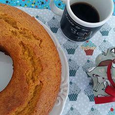 Bom dia da Dona Manteiga com Bolo de Cenoura com Calda de Brigadeiro.    #bolodecenoura #carrotcake #brigadeiro @donamanteiga #donamanteiga #danusapenna #gastronomia #food #dessert #pie www.donamanteiga.com.br